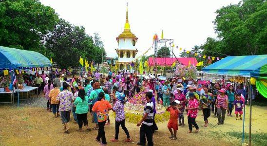 Songkran Festival | Image Credit: Donavanik, Buddhist festivals,Songkran Festival Day, CC BY-SA 4.0