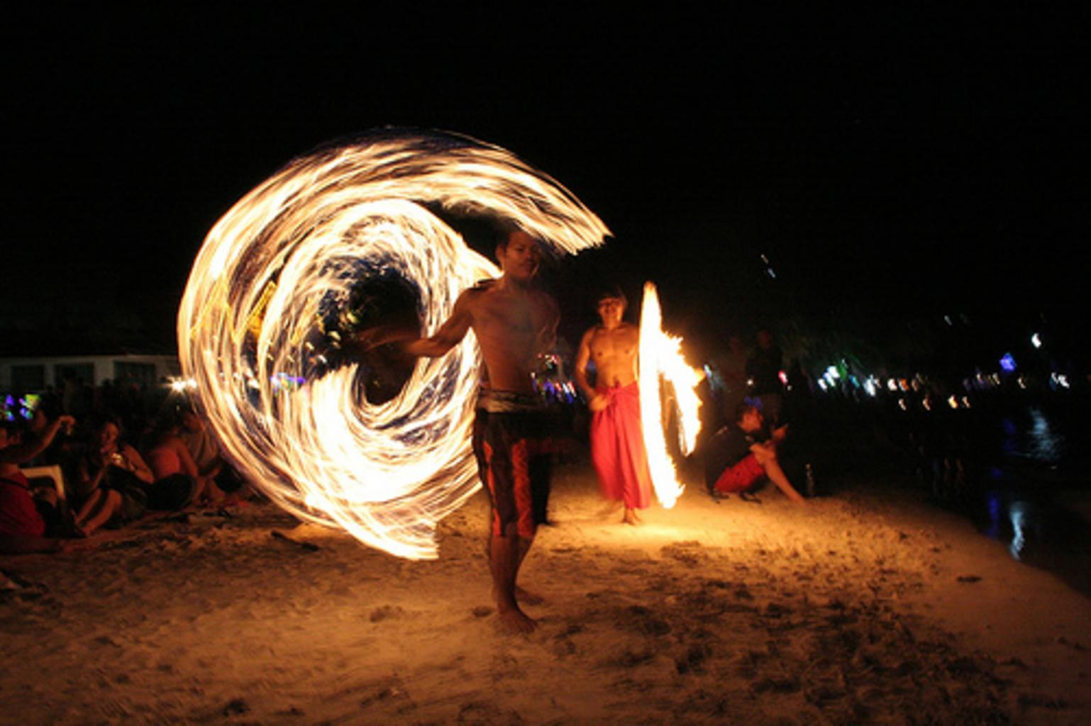 Full Moon Party 2019 Koh Phangan – Party from dusk to dawn!