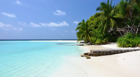 For Bipasha Basu, Maldives is an Irresistible Charm – A Stunning Island Escapade