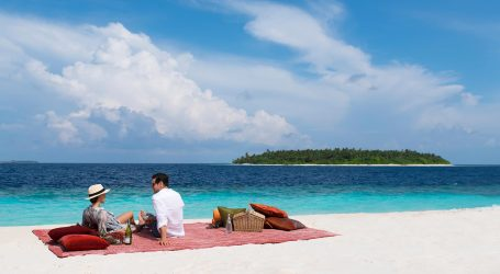 The Maldives attracts over 3,000 foreign visitors since re-opening