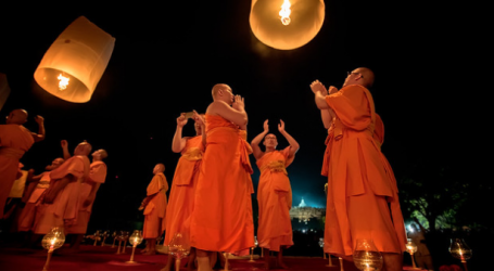 Vesak Day in Bangkok – It's not just about the lights and lanterns