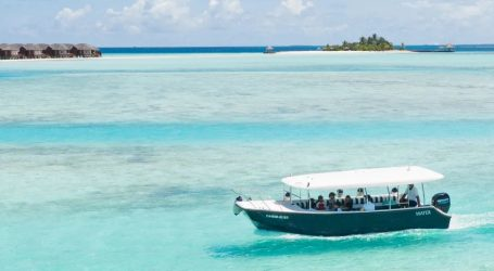 Tourist arrivals expected to cross 500,000 next month – Travelling to your favourite tropical destination